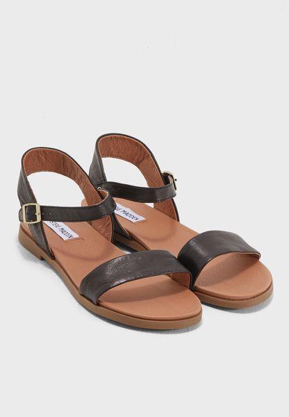 Shop Steve madden black Dina Flat Sandals DINA for Women in Qatar -  ST977SH47OOE