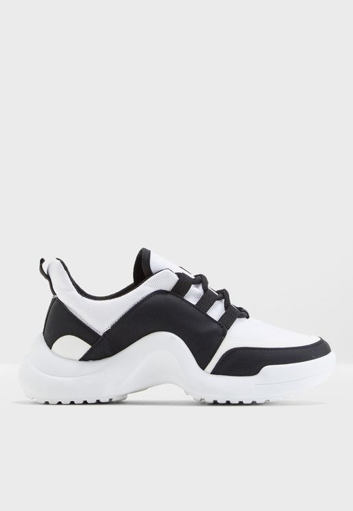 Cig Low Top Sneaker