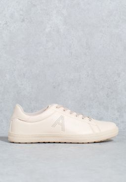 A Initial Low Top Sneaker