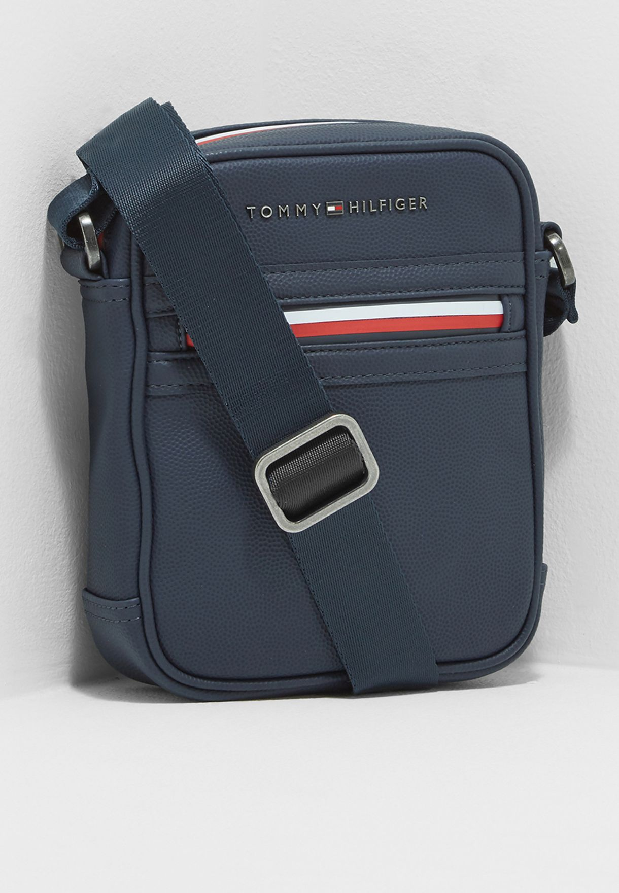 Shop Tommy Hilfiger navy Essential Mini Reporter Messenger AM0AM02691413  for Men in Oman - TO279AC37ADQ 52850dad5a464