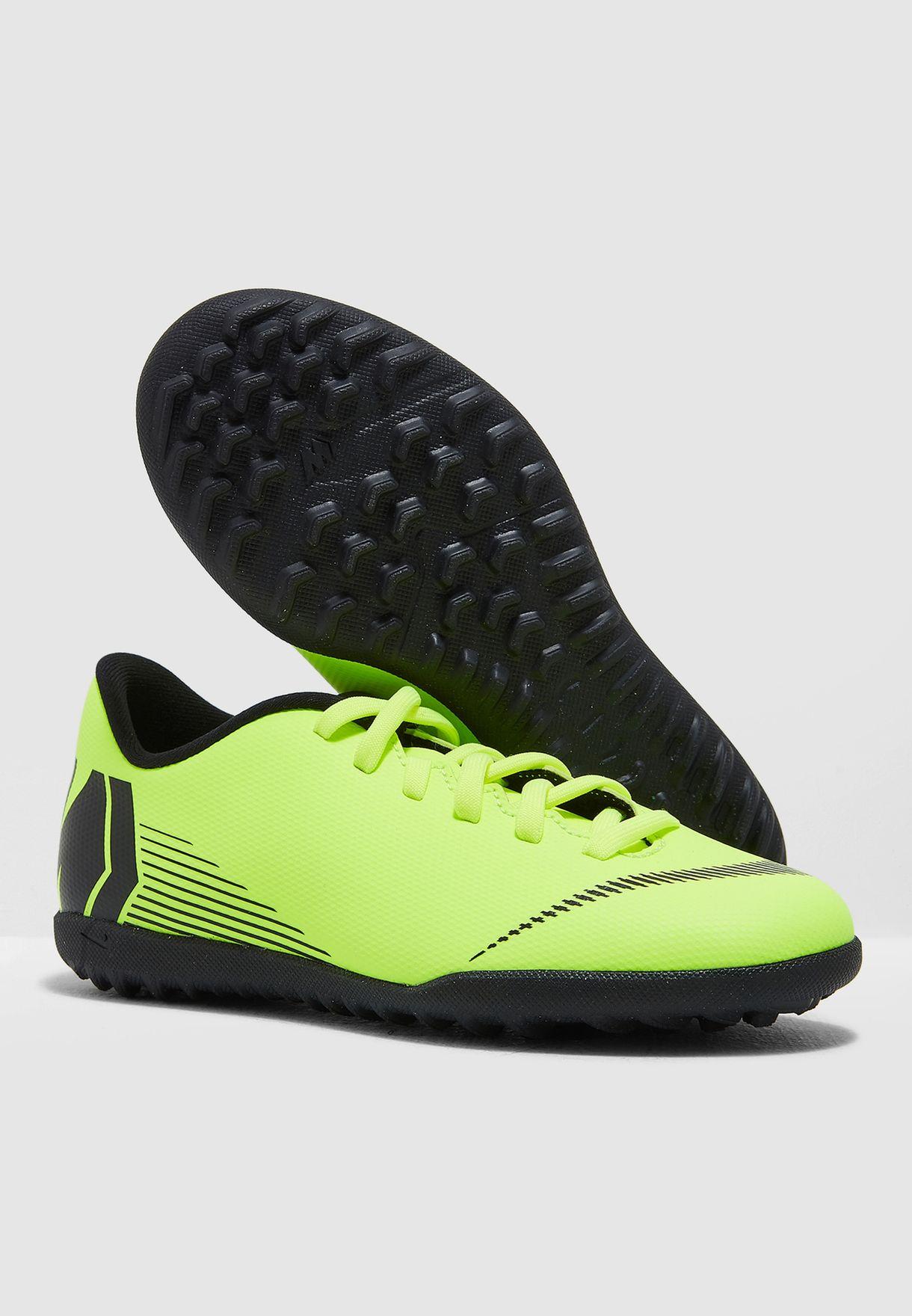 حذاء فابور اكس 12 كلوب للأرض العشبية