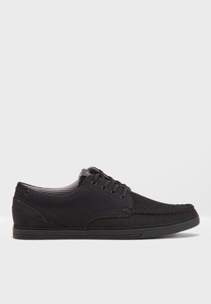 حذاء سنيكرز عصري