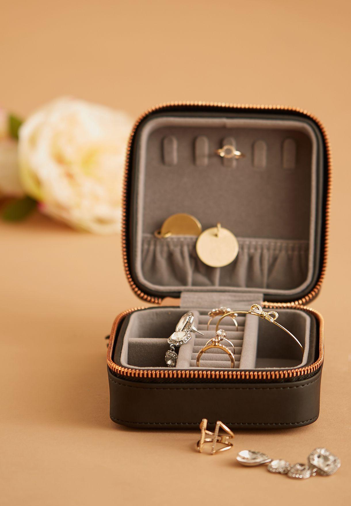 علبة مجوهرات بسحاب