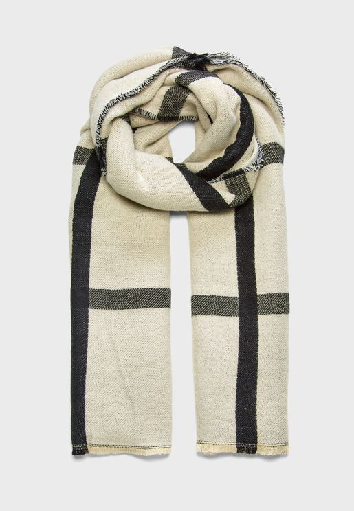 Contrasting Check Scarf