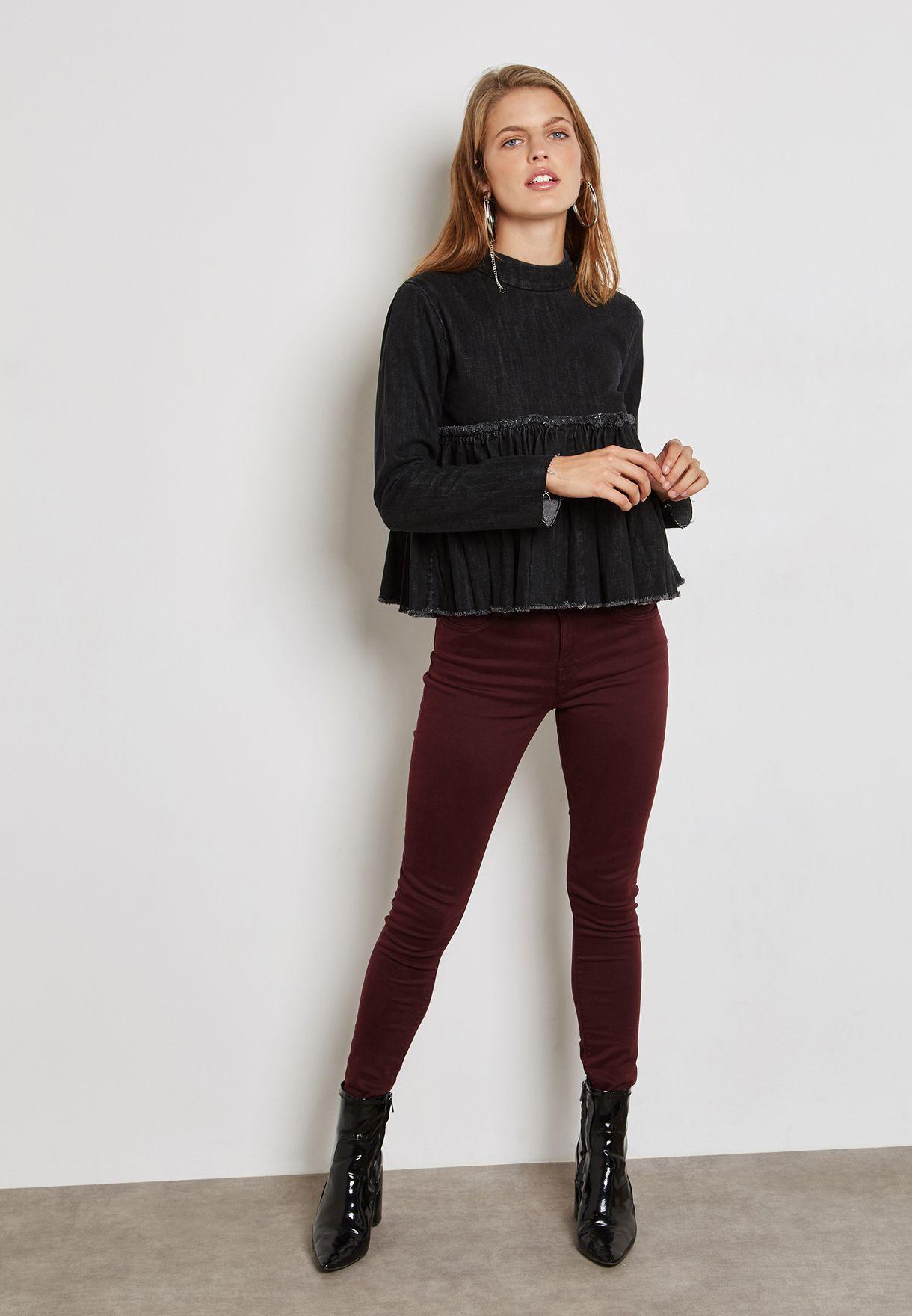 بلوزة جينز بياقة مرتفعة