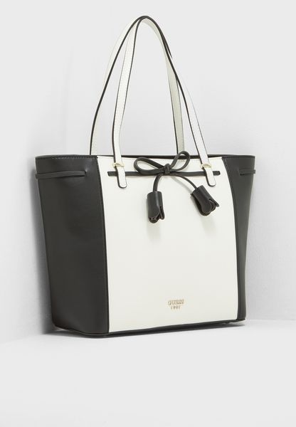 Leila Carryall Tote