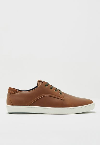Vanor Sneakers