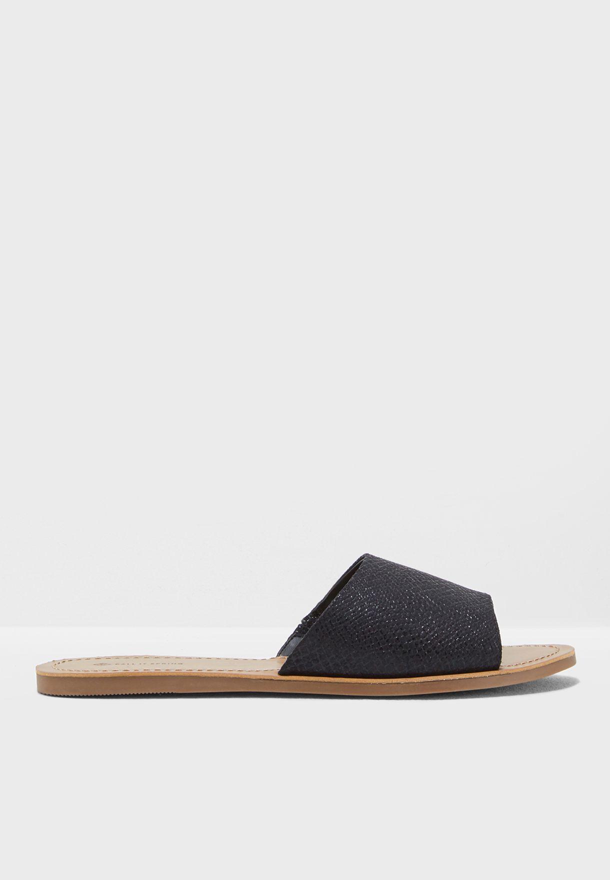 47026cbbc Shop Call It Spring black Thirenia Flat Sandal THIRENIA001 for Women ...