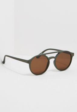 نظارة شمسية بتصميم دائري