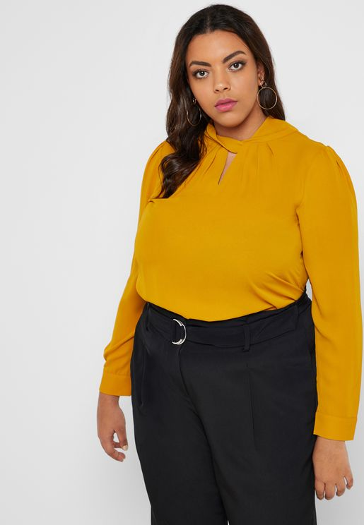 Twisted Neck Keyhole Top