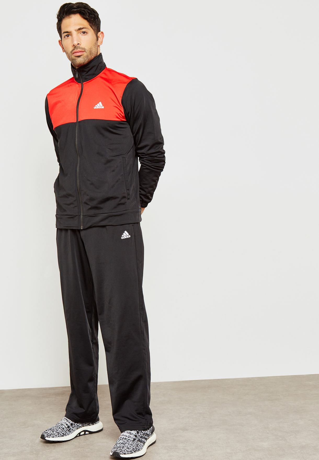ricevente Spinoso preoccupazione  Buy adidas multicolor Back 2 Basics Tracksuit for Men in MENA, Worldwide |  CY2308
