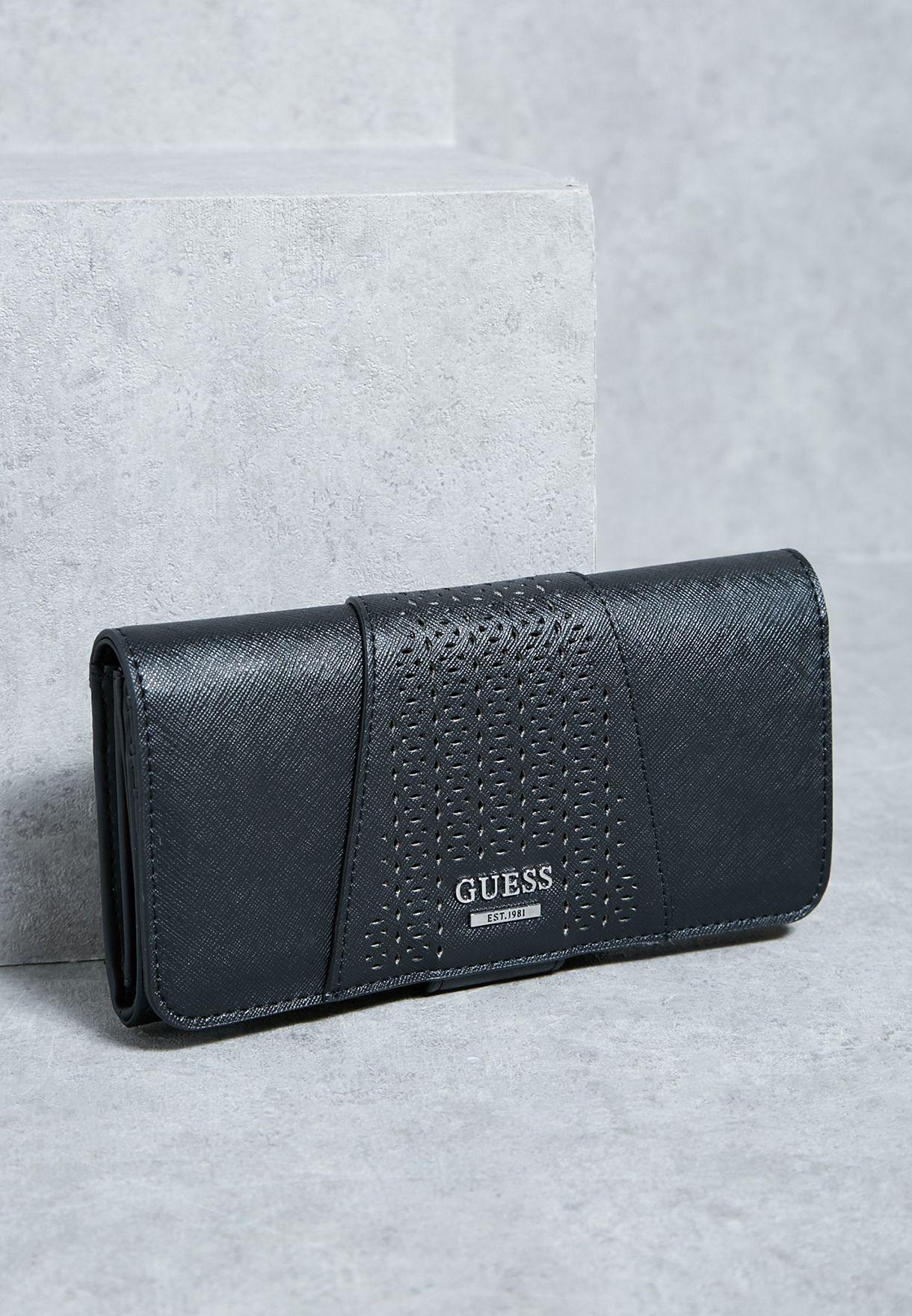 cd55eb1d81 Shop Guess black Gia Clutch PF633759 for Women in UAE - GU094AC96EVN