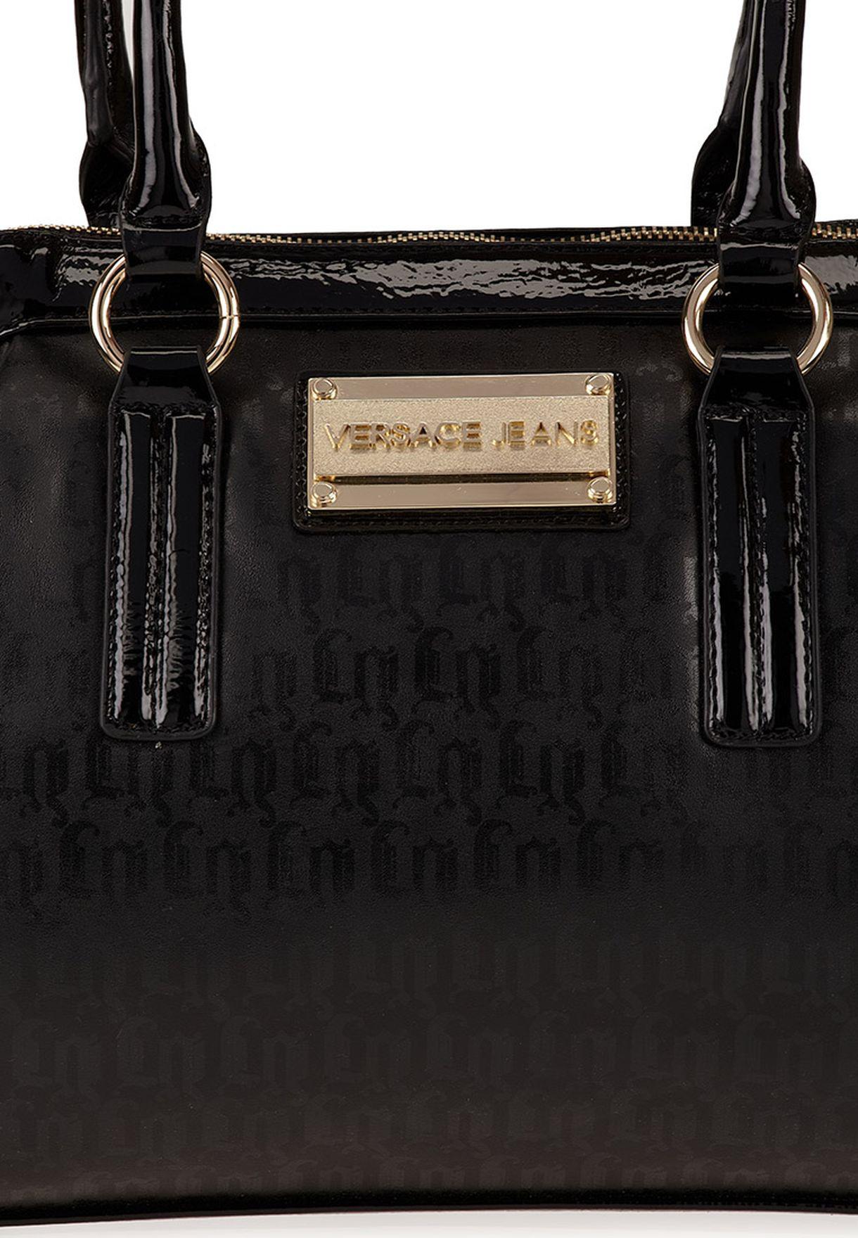 d82fb79f00e28 تسوق حقيبة بيد قصيرة ماركة فرساتشي جينز كوتور لون أسود في السعودية ...