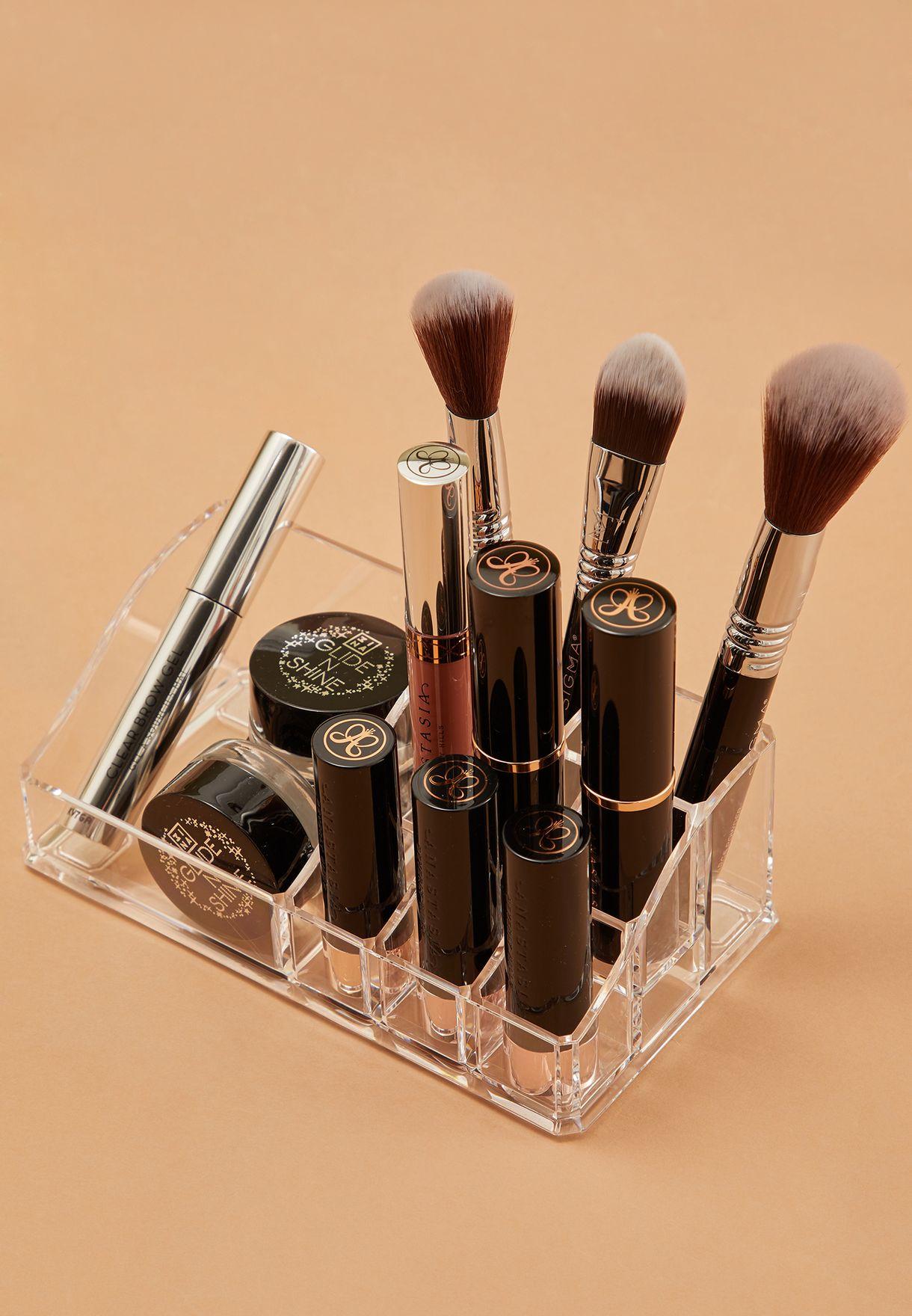 منظم لأدوات التجميل