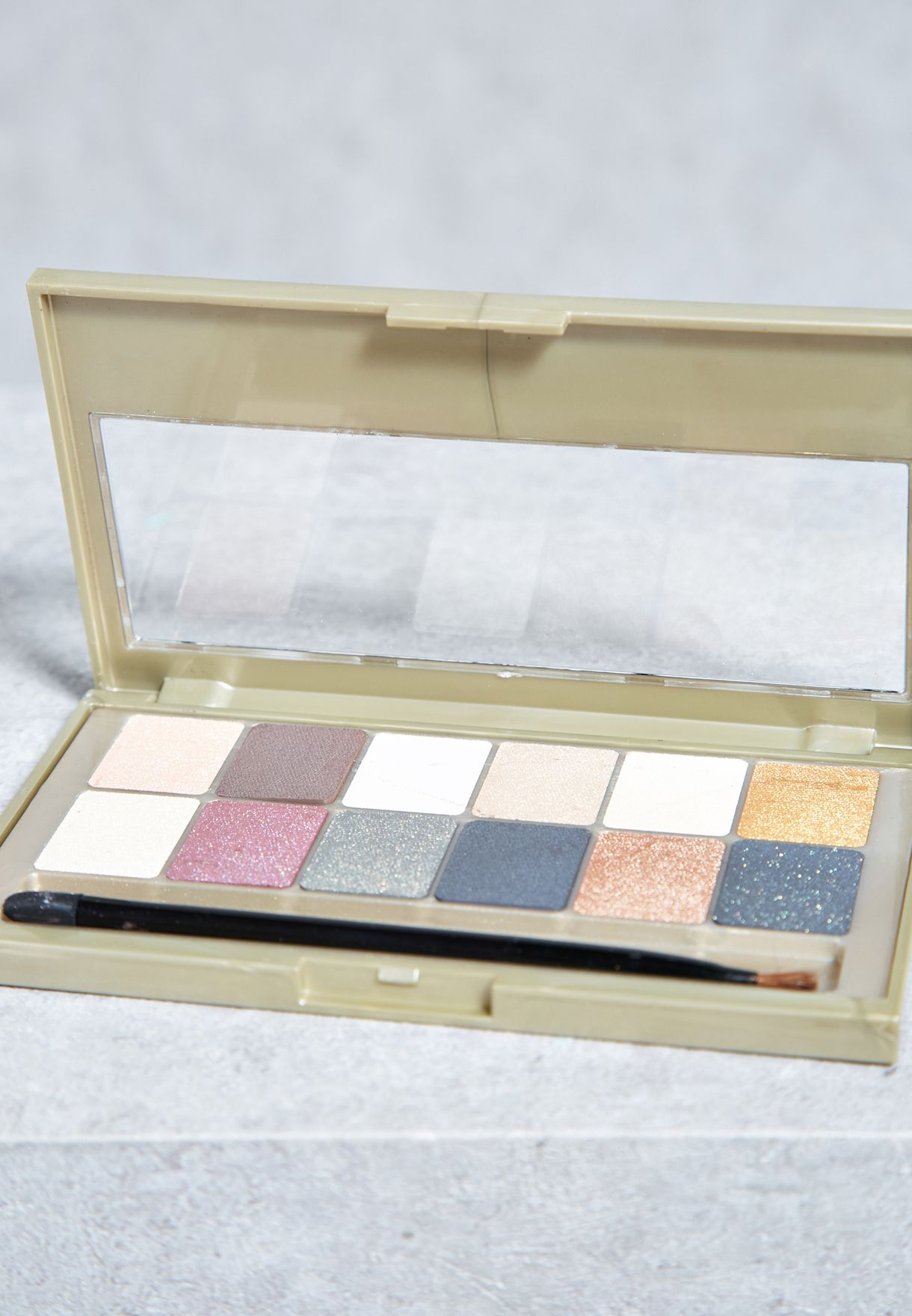 24 Karat Nudes Eye shadow Palette