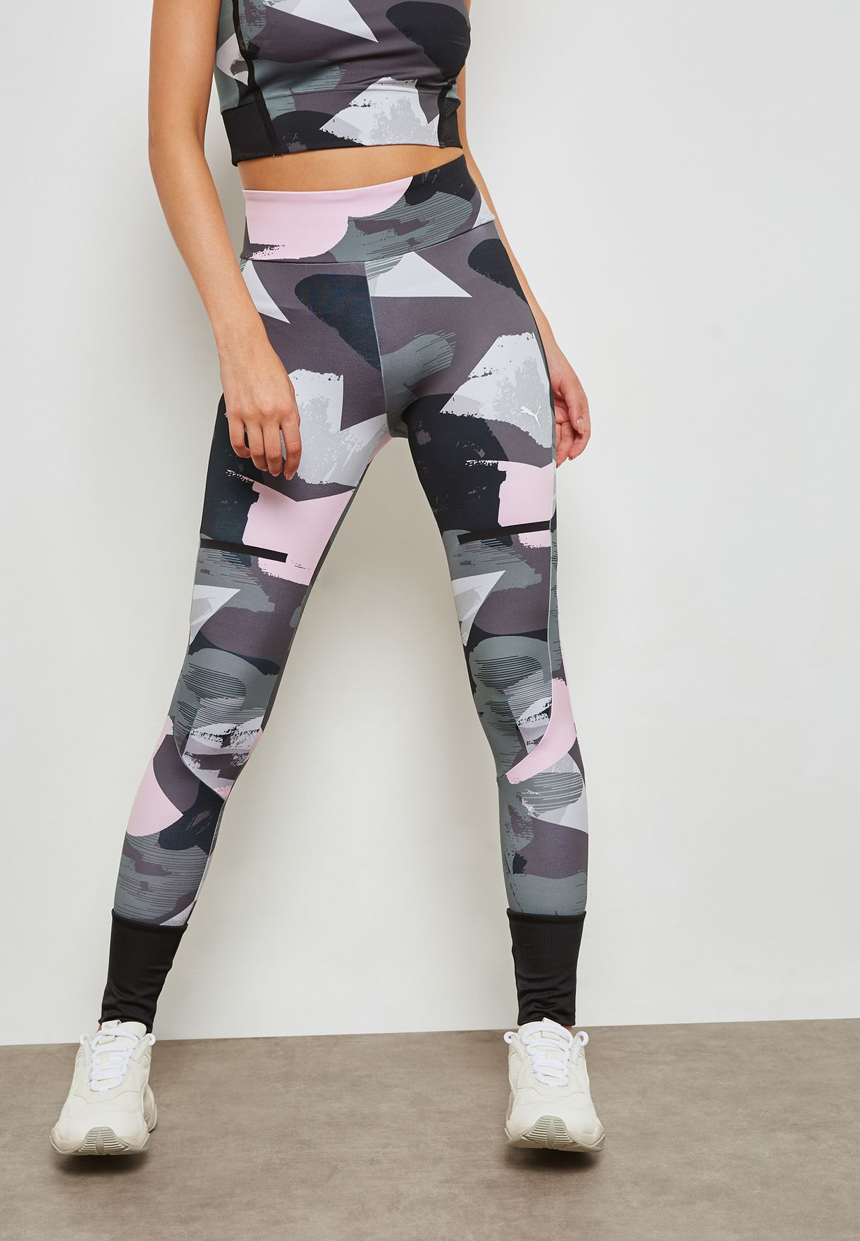 d034d935 Shop PUMA prints Chase AOP Leggings 57693314 for Women in UAE ...