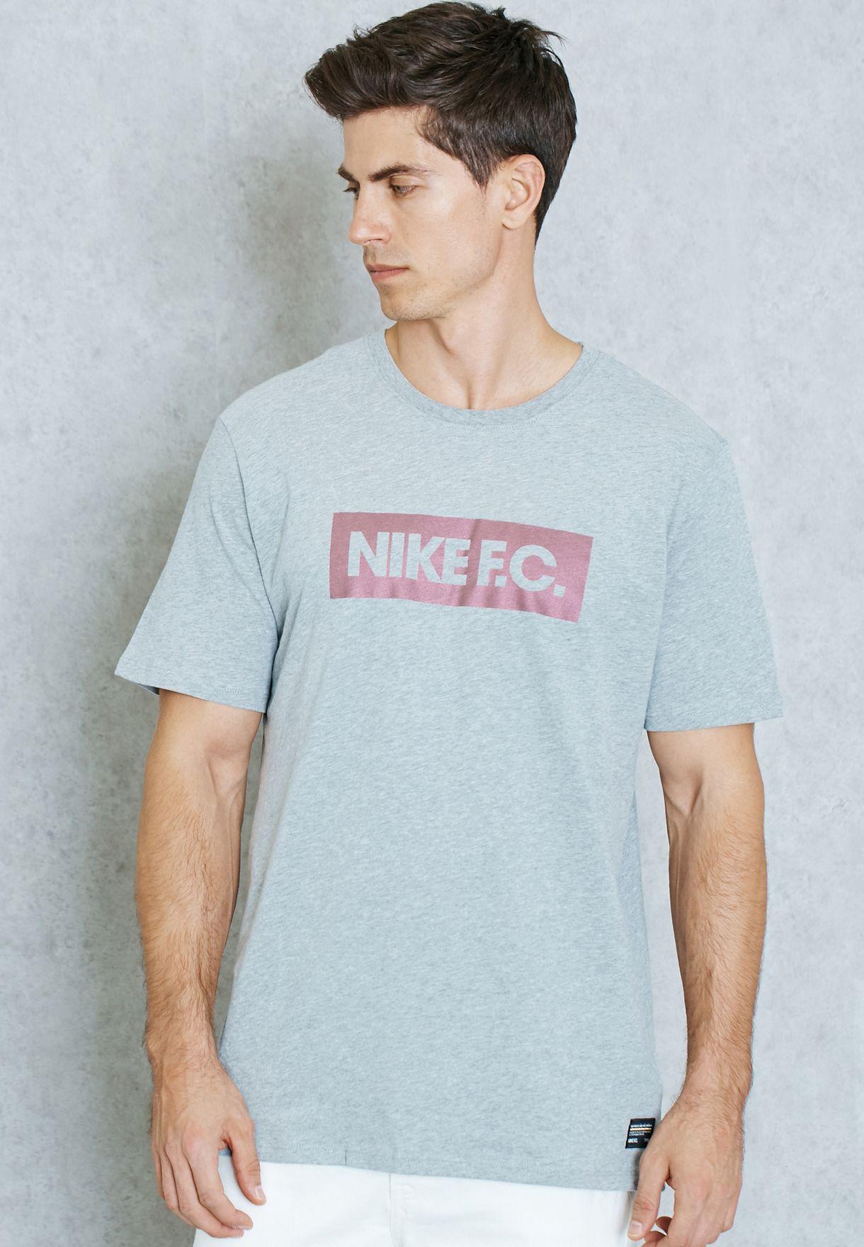 cdcabf309 Shop Nike grey F.C. Color Shift Block T-Shirt 805521-063 for Men in ...