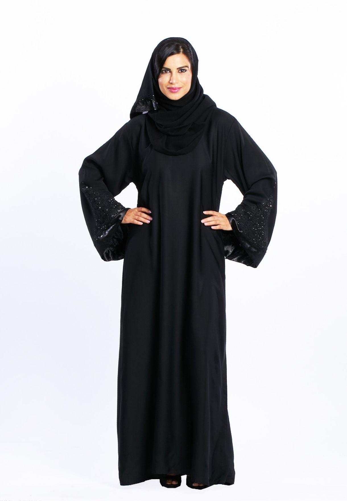 3b4570dd5 تسوق Embellished Abaya ماركة هيا كلوزيت لون أسود في البحرين ...