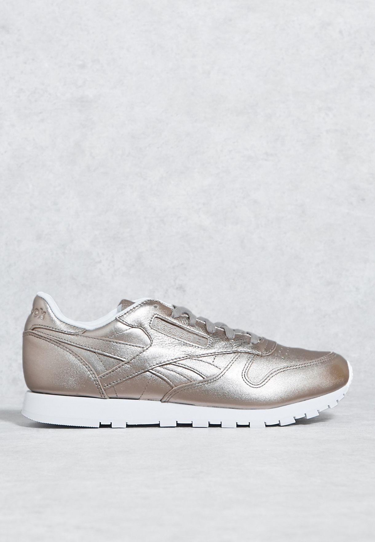 1e802fa3edd Shop Reebok gold Classic Leather Metallic Trainers BS7898 for Women in Oman  - RE019SH76EPN