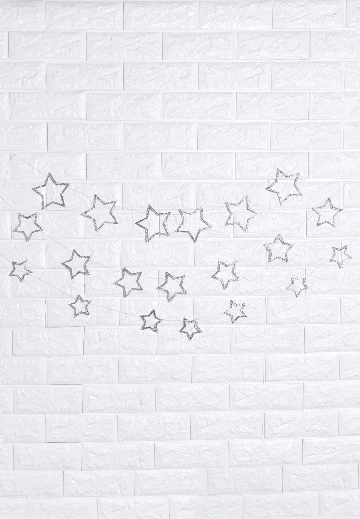 زينة بشكل نجوم