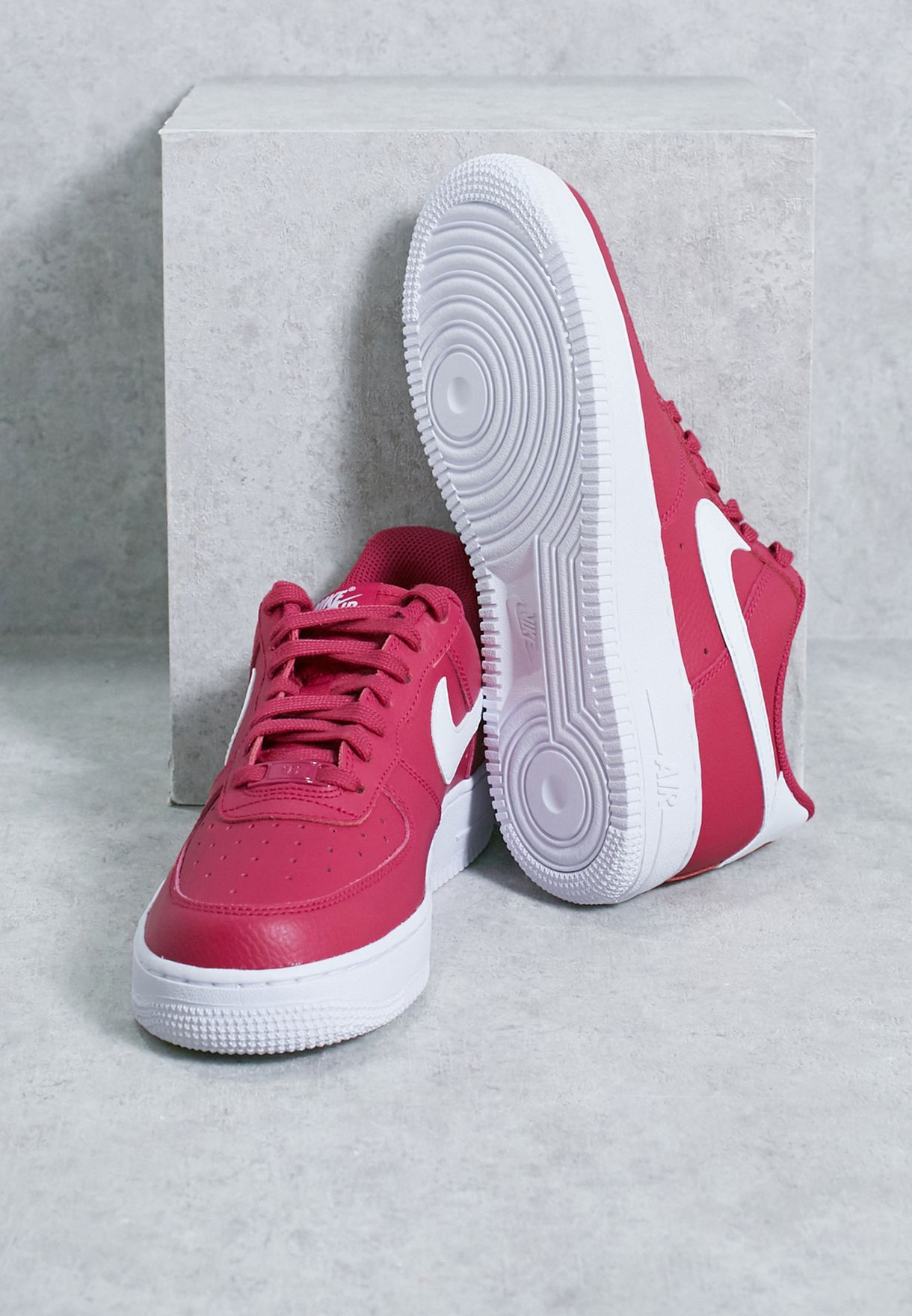Shop Nike pink Air Force 1   39 07 SE 896184-600 for Women in Saudi ... a39ca3a0ad