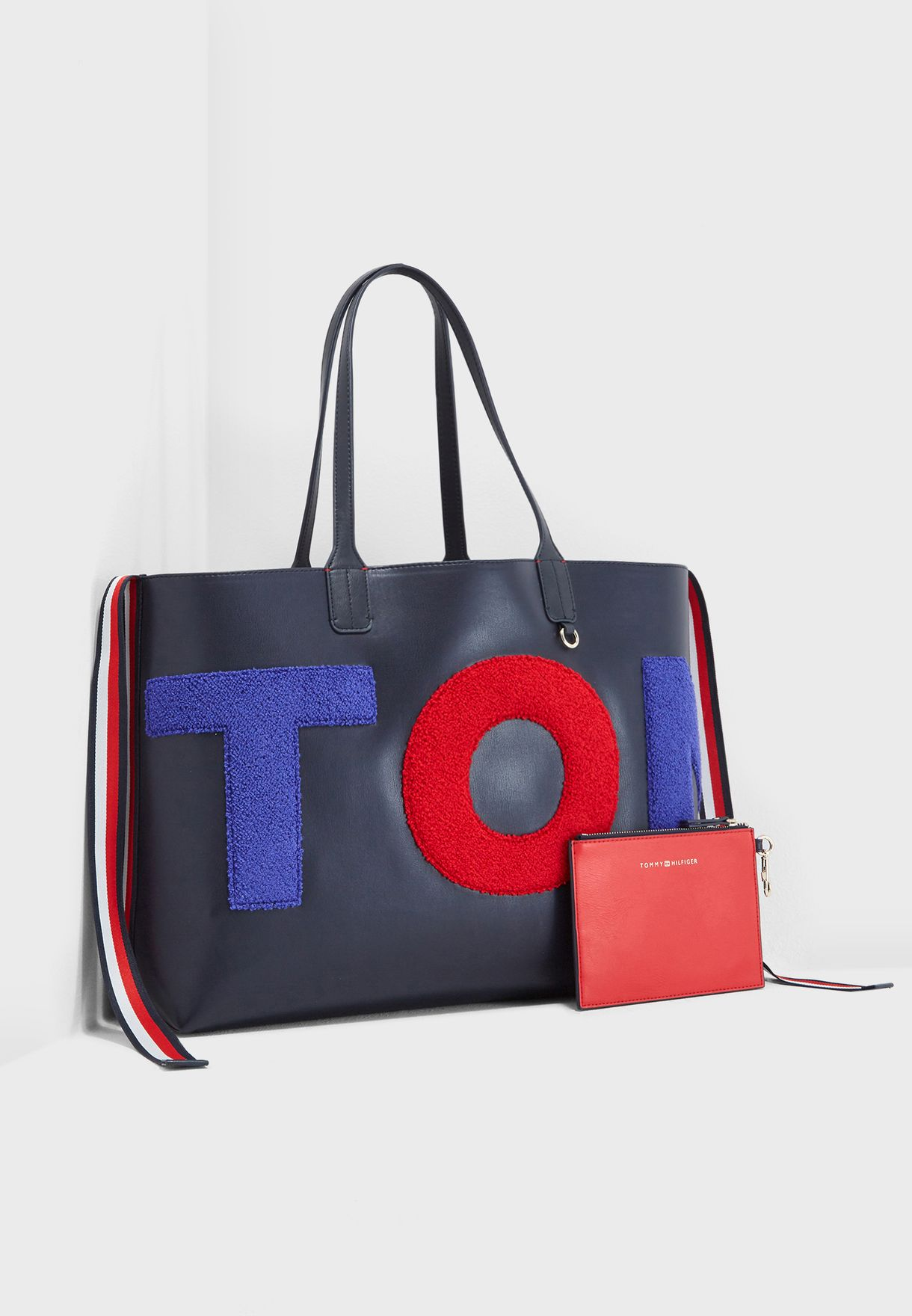0f4679c9af Shop Tommy Hilfiger blue Iconic Tote AW0AW06044 for Women in UAE ...