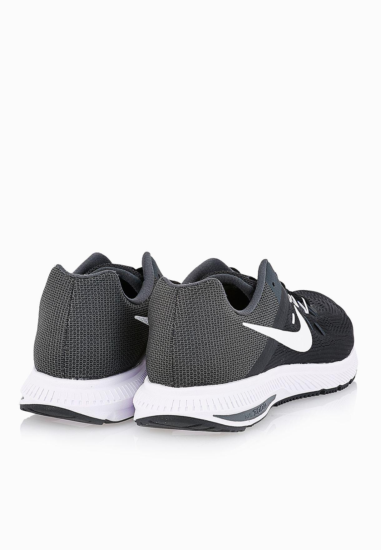6d12c11af2a Shop Nike black Zoom Winflo 2 807276-001 for Men in Oman ...