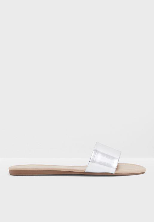 Keiclya Flat Sandal