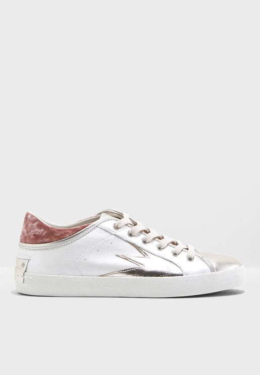 Ayama Star Low Top Sneaker