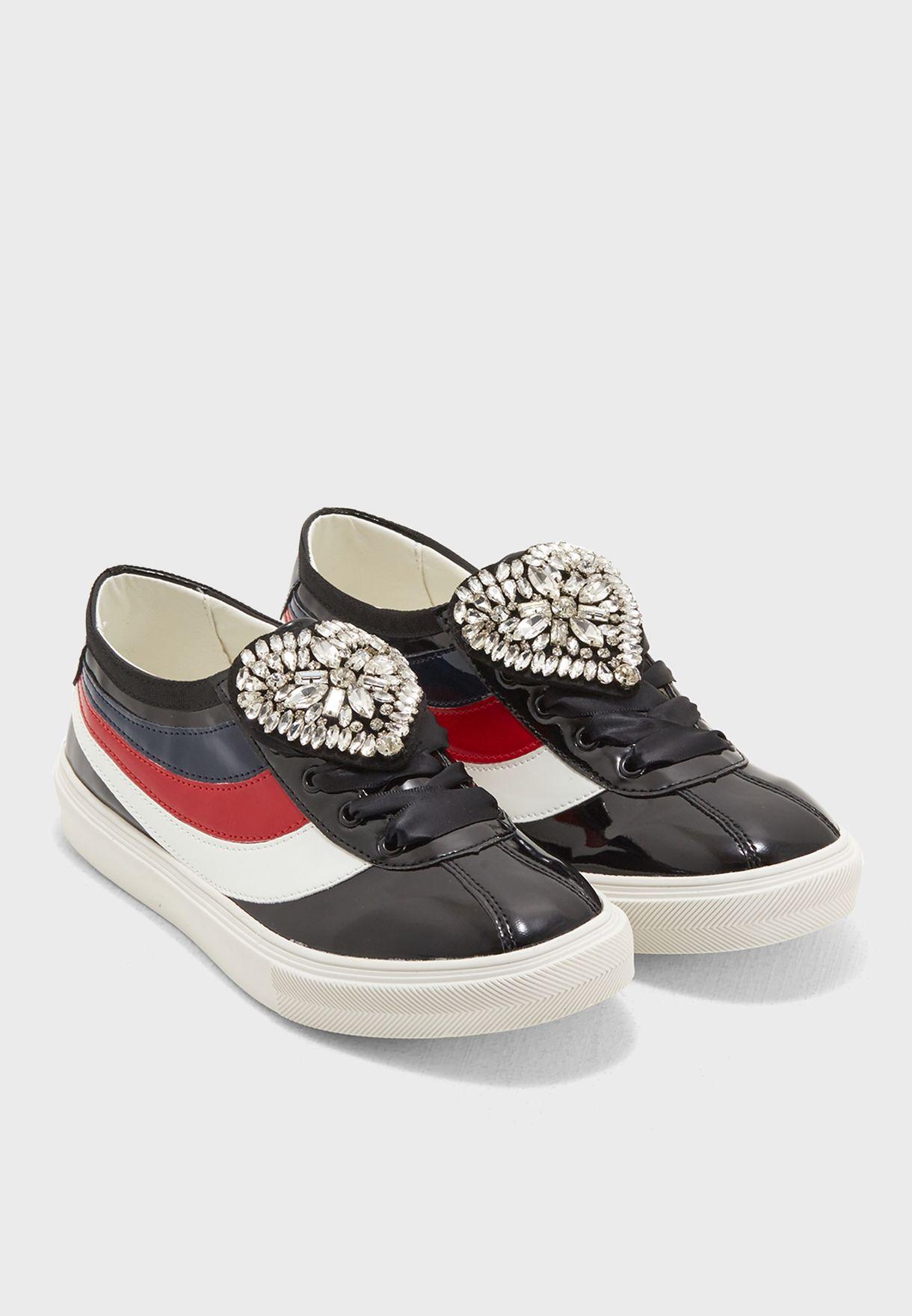Aya Sneaker