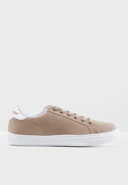 Mari Low Top Sneaker