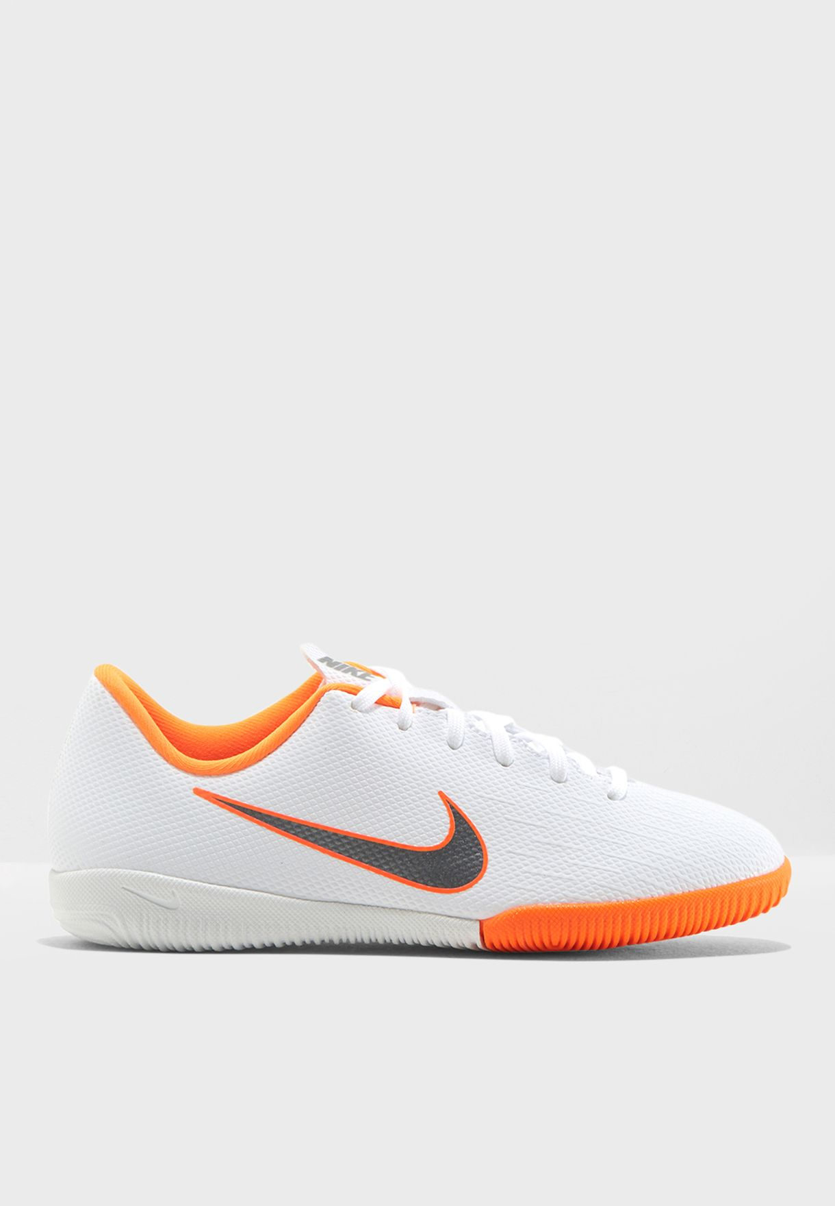 Mercurial VaporX 12 Academy IN Youth