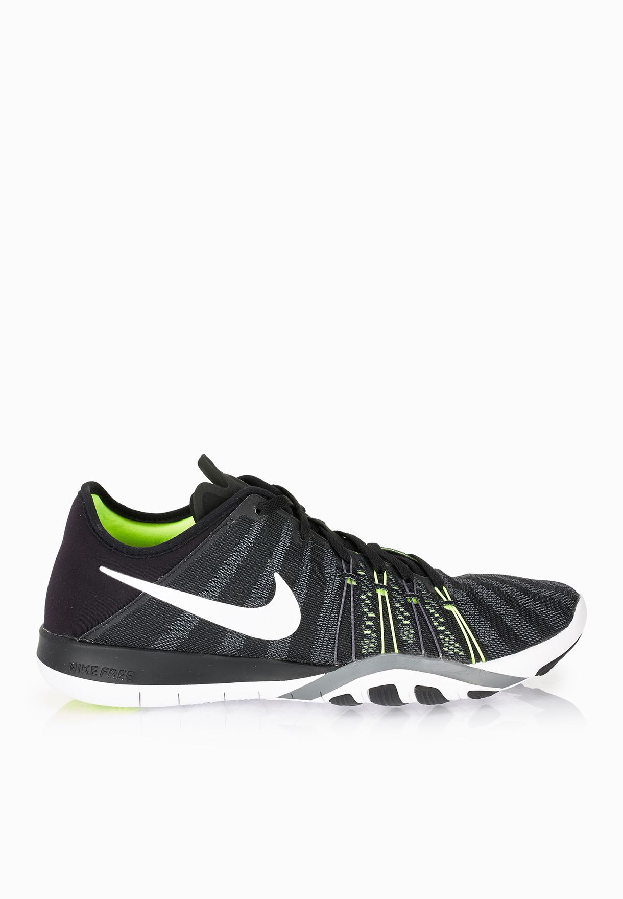 fe869d86329c8 Shop Nike black Free Tr 6 833413-010 for Women in Bahrain - NI727SH56SMD
