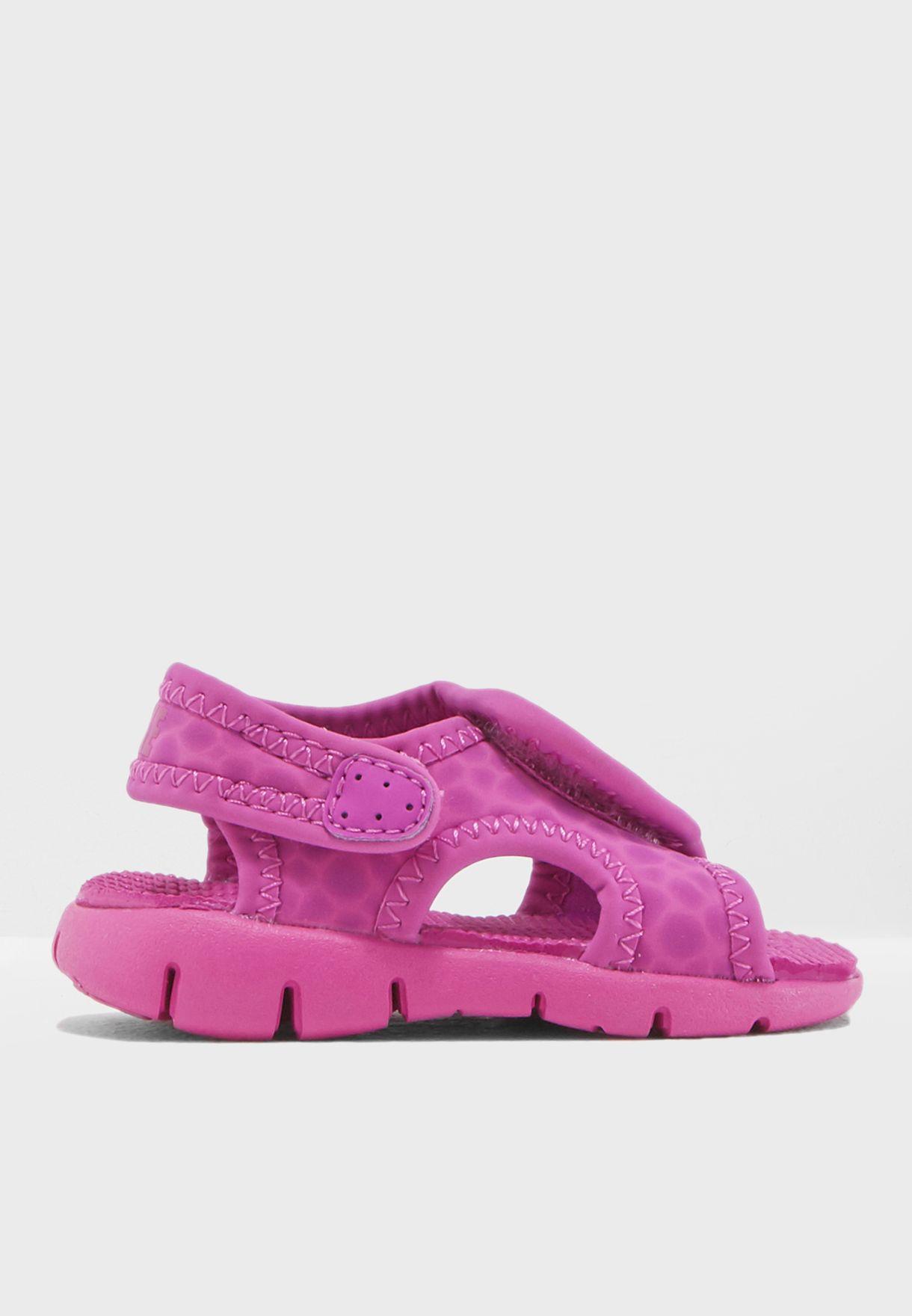 b557c97bb Shop Nike pink Infant Sunray Adjust 4 386521-506 for Kids in UAE ...