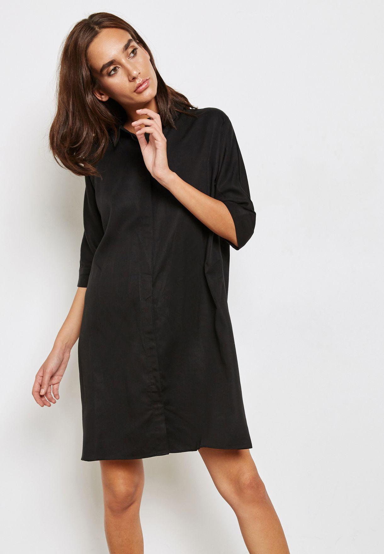 فستان بأزرار