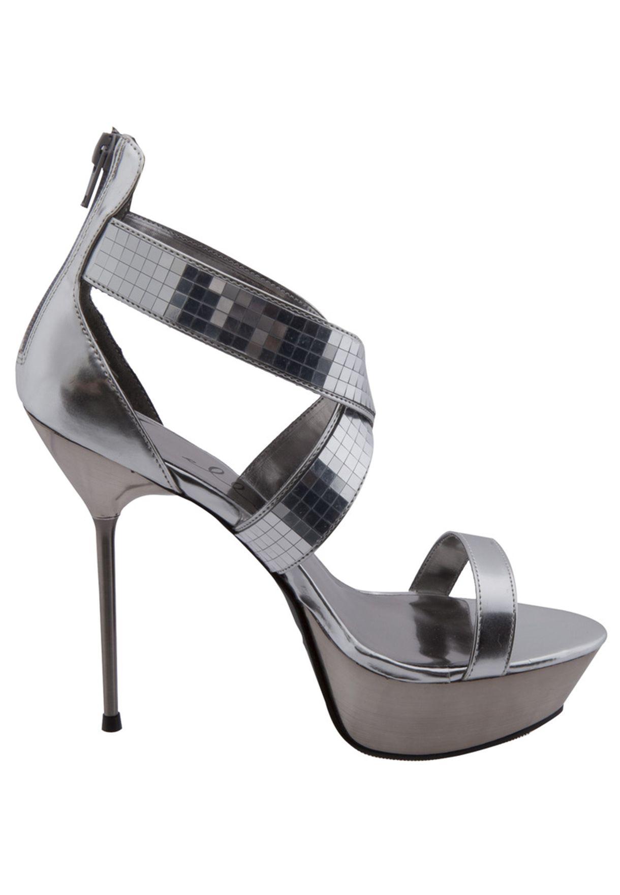 8161c9771 تسوق Embelished Sandals ماركة الي شوز لون فضي في عمان - EL769SH56YIL