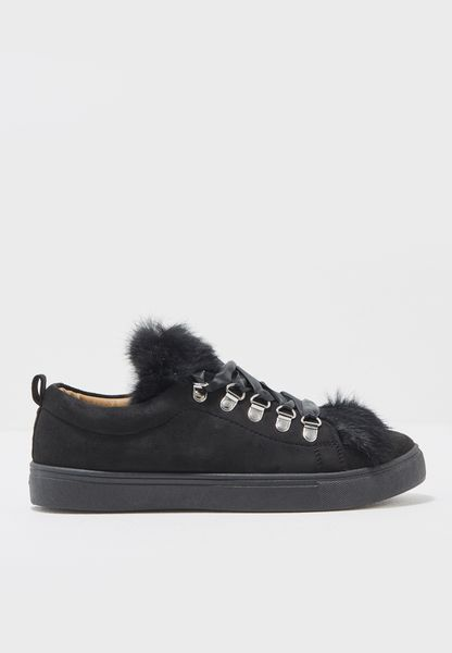 Nency Low Top Sneakers