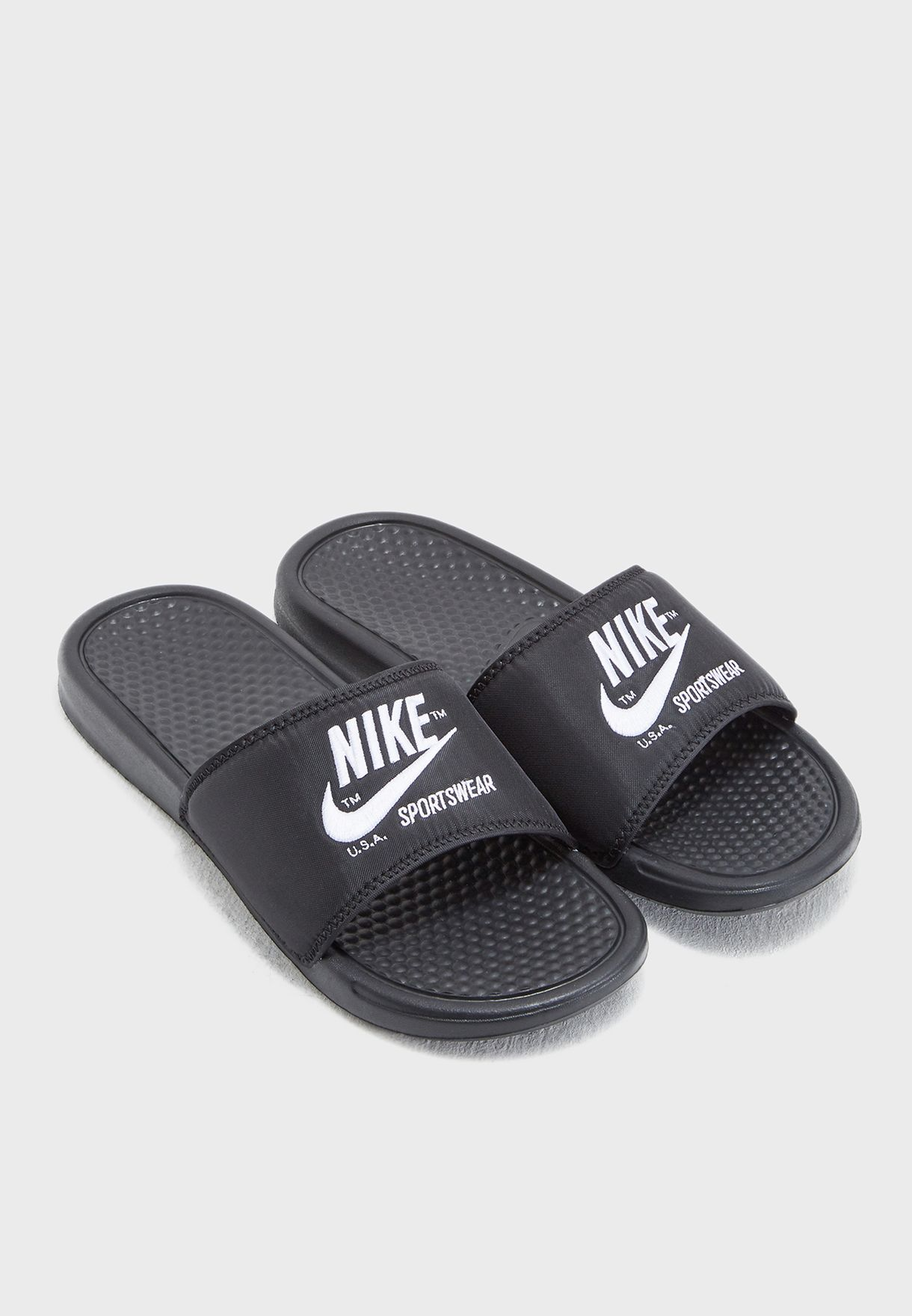 Shop Nike black Benassi JDI TXT SE AR1540-001 for Men in UAE ... e8121378d