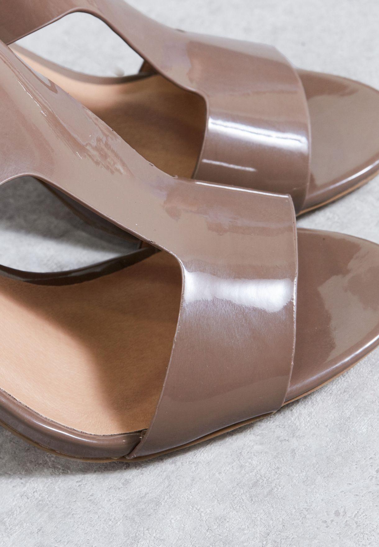 T bar Sandal