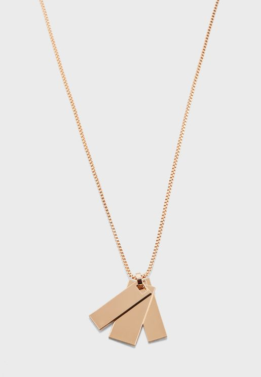 Umadonna Necklace With Rectangle Pendant