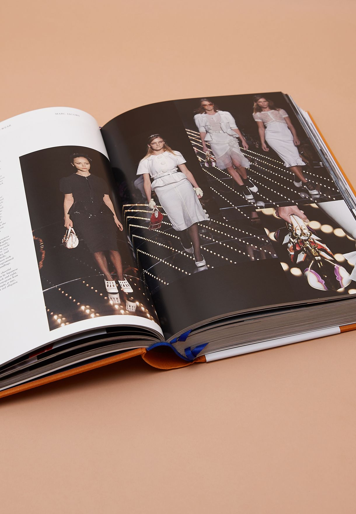 Louis Vuitton : Catwalk Coffee Table Book