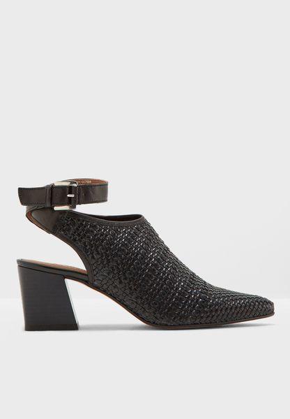 Nett Woven Pointed Shoe