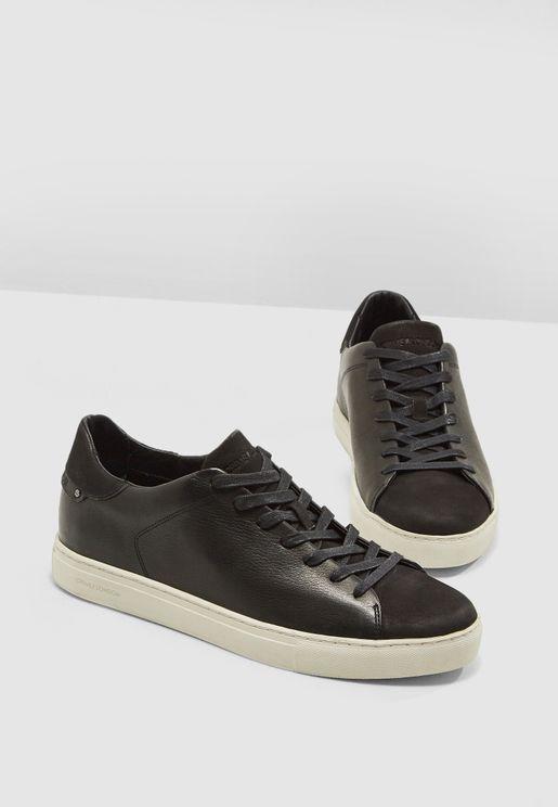 Beat Sneakers