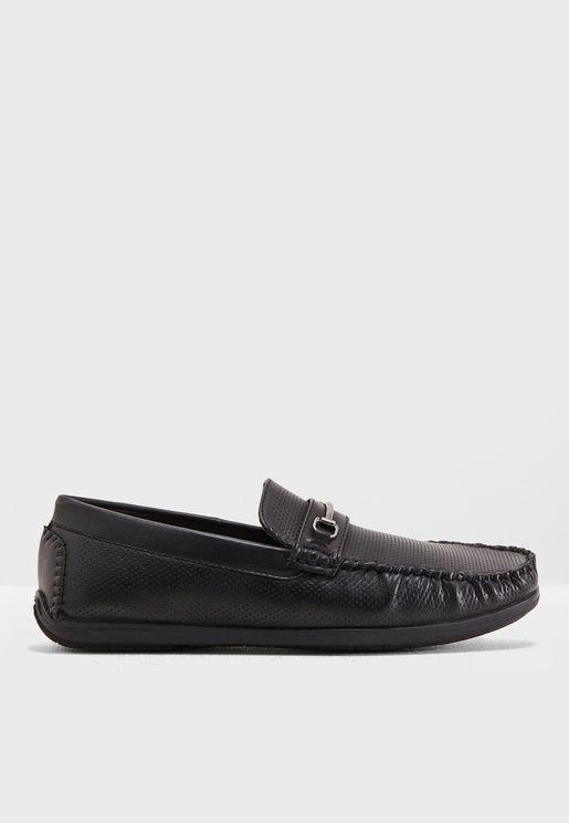 حذاء كاجوال بفتحات للتهوية