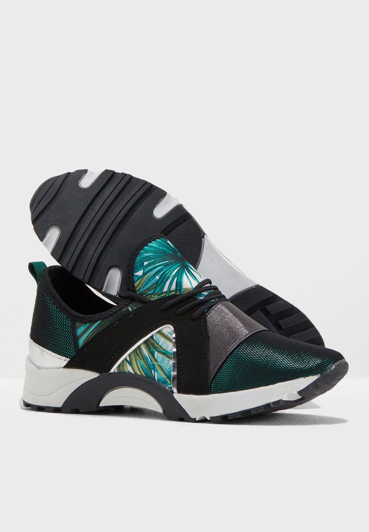 حذاء كاجوال بطبعات