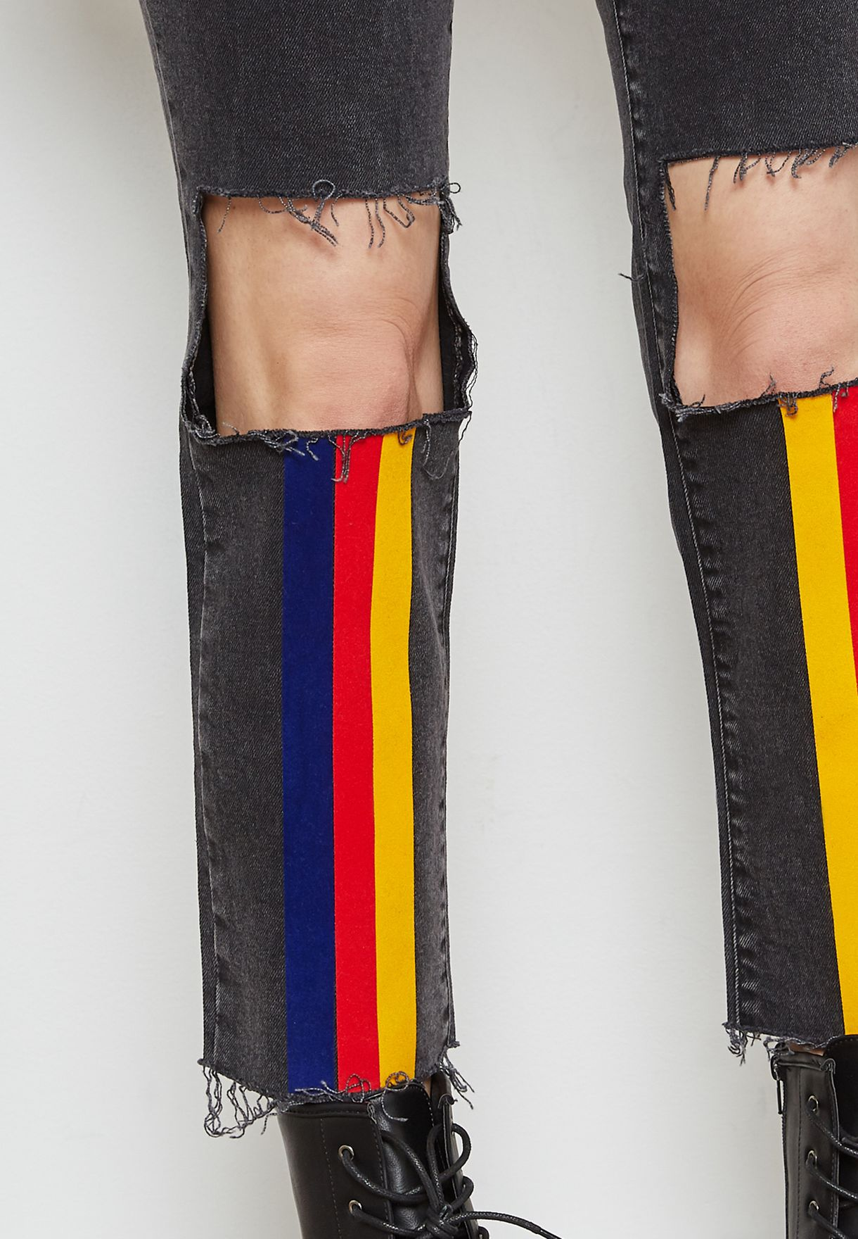 Knee Ripped Striped Jeans