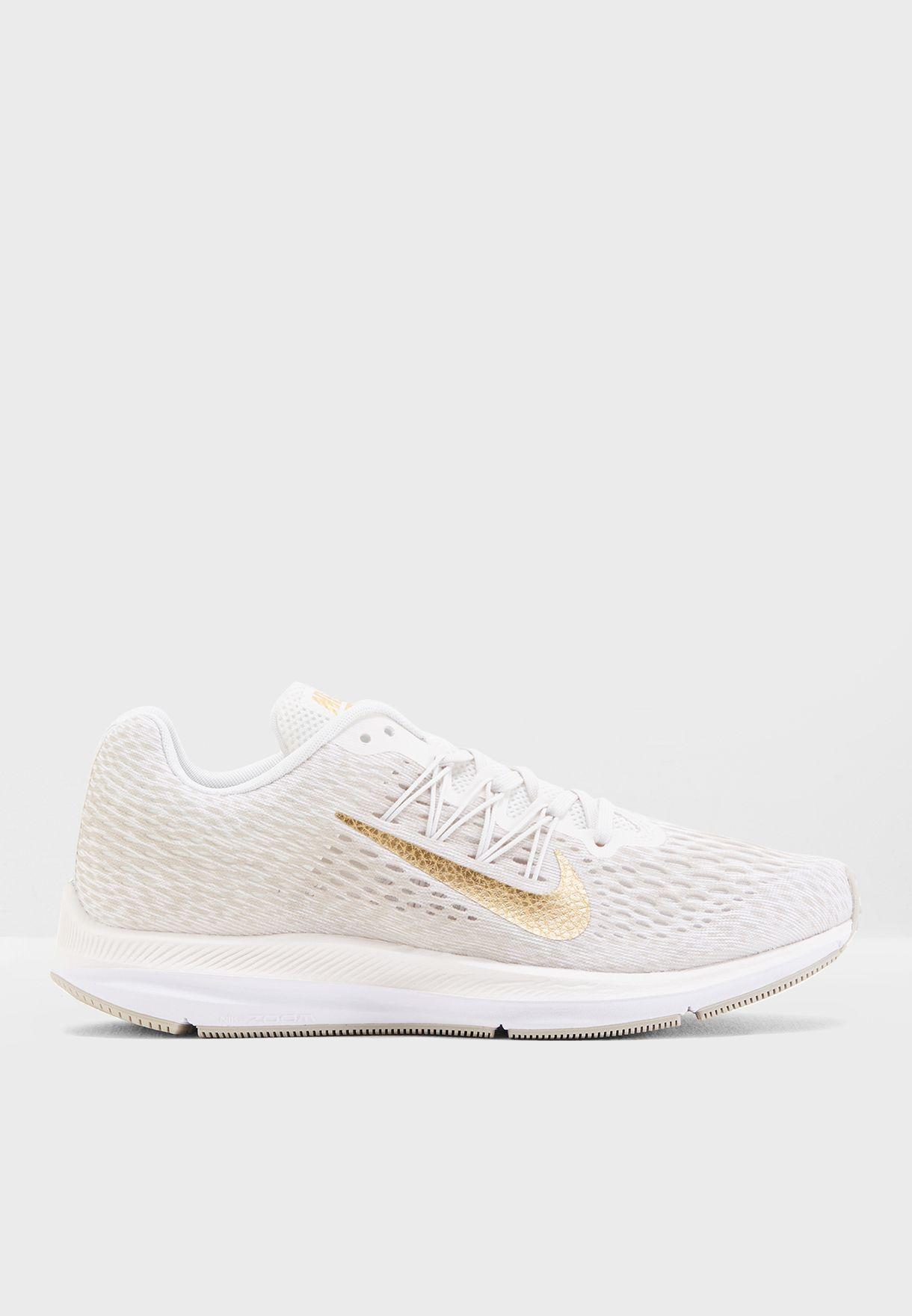 020cd91a017ee Shop Nike white Zoom Winflo 5 AA7414-008 for Women in UAE - NI727SH26FOF