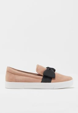 Ladies Flat Double Gore Slip-On With Quilting