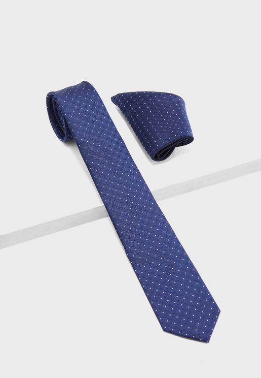 Polka Dot Tie And  Pocket Square Set