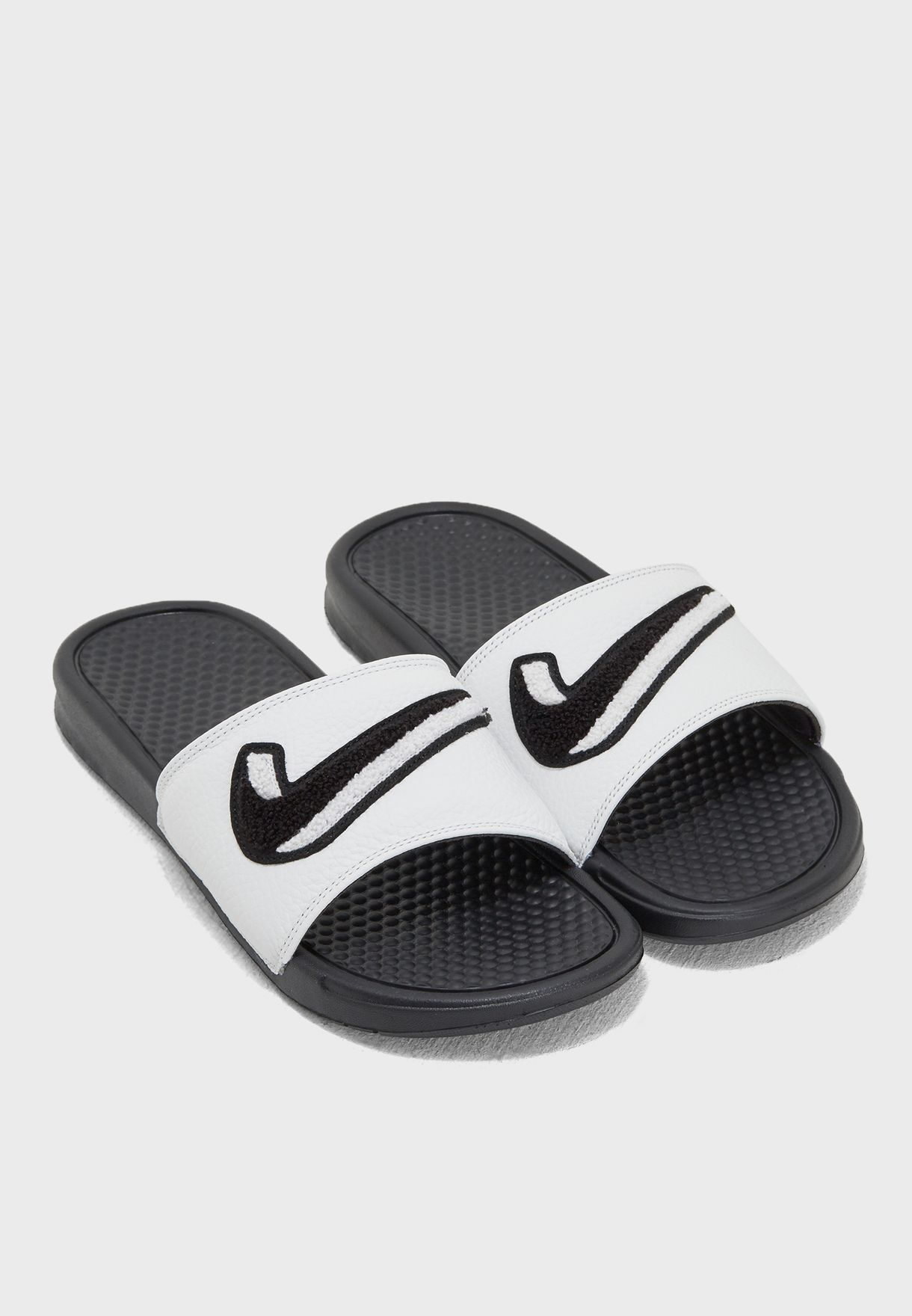 buy online 80359 3feb8 Benassi JDI Chenille Slides